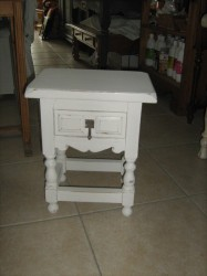 Table de chevet45 €